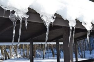 Common Winter Roof Problems And Fixes